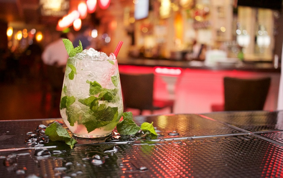 rooftop bars in london the sky bar mojito